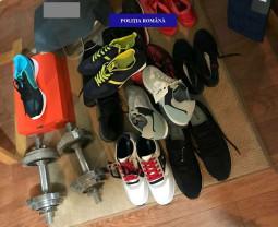 Îmbrăcăminte de lux contrafăcută, confiscată - Percheziție la evazioniști