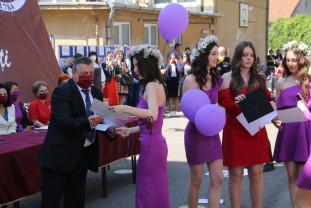 """La Colegiul Național """"Iosif Vulcan"""" din Oradea - Festivitate cu lacrimi în ochi"""