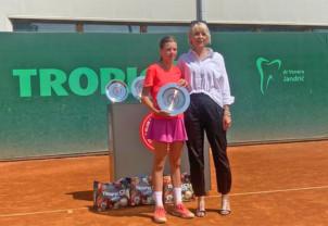 Giulia Popa, victorioasă în Bosnia - Laureată la simplu și la dublu