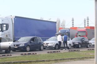 După ce a scăzut în perioada sărbătorilor, traficul la frontieră a crescut - Românii continuă să se întoarcă acasă