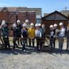 Sute de elevi pe şantierul Habitat - Case pentru familii nevoiaşe