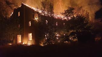 Incendiu violent în Valea lui Mihai - Fabrica de tutun, făcută scrum