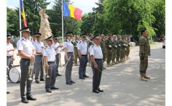 Slujbă religioasă şi ceremonie militară - Ziua Eroilor, marcată la Oradea