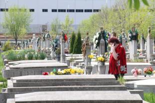 De Paștele Morților - Acces contracost în Cimitirul Municipal