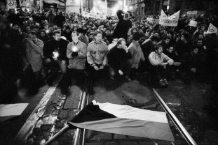 O expoziţie de excepţie la Muzeul Ţării Crişurilor - Anul 1989 – Revoluţia de Catifea