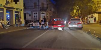 Accident produs de un tânăr fără permis, care a fugit