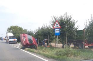 Un tânăr s-a urcat la volan fără permis și băut - Accident pe DN19