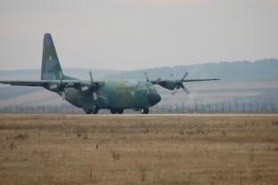 Alături de Albania - România a trimis duminică două aeronave cu ajutoare umanitare
