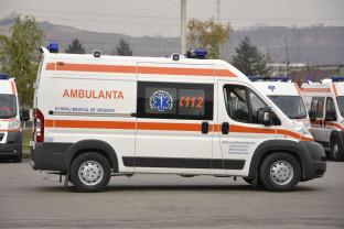 O adolescentă cu multiple leziuni, abandonată în maşină - Şoferul băut a fugit