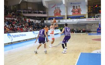 CSM CSU Oradea își intesifică perioada de pregătire - Patru amicale pentru baschetbaliști