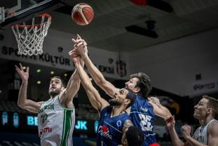 """Calificare norocoasă în FIBA Europe Cup - CSM U Oradea a prins ultimul loc pentru """"optimi"""""""
