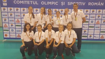"""CN """"Teodor Neş"""" Salonta, la Olimpiada Gimnaziilor - Vicecampioane naţionale la baschet"""