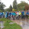 Au înfruntat vremea rea pentru o cauză nobilă - Zeci de biciclişti la Qubiz Bike Ride