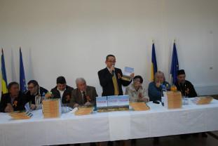 """Călugări. O zi cu triplă semnificație - Lansarea monografiei """"Călugări, satul dintre Ponoare"""""""