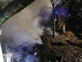 Flăcările au cuprins o casă, din cauza unui coș de fum - Incendiu în Păgaia