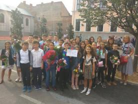 """Colegiul Național """"Emanuil Gojdu"""" - Debut de an şcolar cu mari emoţii"""