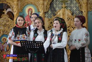 """Concert tradițional de pricesne la Husasău de Criș- """"La umbra Crucii tale"""""""