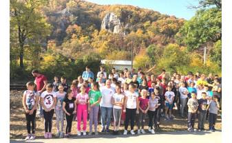 Crosul Toamnei, la Vadu Crişului - Peste 100 de elevi prezenţi la linia de start
