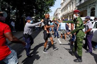 Cuba limitează accesul la rețelele sociale din cauza protestelor - Regimul comunist îşi simte sfârşitul
