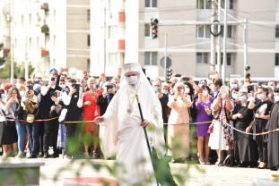Târnosirea Catedralei Învierea Domnului din Oradea - Alături de Preafericitul Daniel, la sfinţire au fost prezenţi 20 de episcopi şi mitropoliţi
