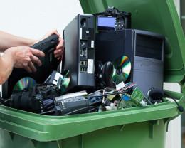 Sâmbătă, 5 iunie - Colectarea deşeurilor electrice
