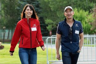 Fosta soţie a miliardarului Jeff Bezos - Donează 2,74 miliarde de dolari