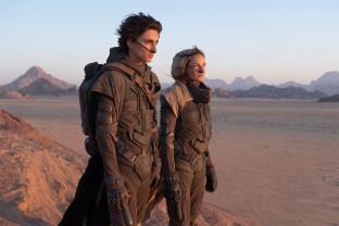 O îndelung aşteptată adaptare cinematografică, lansată în 18 decembrie - Dune, în două părţi