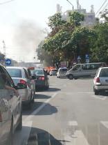Maşină în flăcări pe Calea Aradului