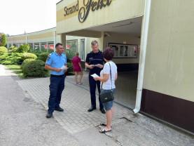 Poliţiştii s-au întâlnit cu turiştii în cadrul unor acţiuni preventive - Vacanţă în siguranţă!