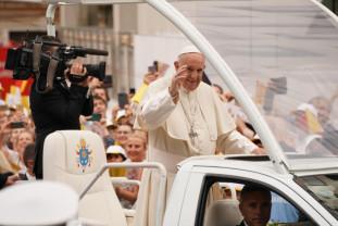 Vizita Eminenţei Sale Papa Francisc în România - O punte spre împăcare între bisericile noastre creștine