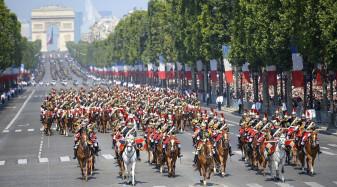 De Ziua Naţională a Franţei, poliţia a folosit gaze lacrimogene - Proteste la Paris