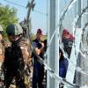 CE refuză finanţarea gardului antiimigraţie construit de Ungaria - Pas, la gardul lui Orban