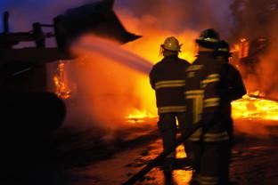 O femeie de 35 de ani, din Căpâlna, şi-a pus capăt zilelor - Şi-a incendiat locuinţa, apoi s-a spânzurat