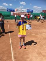 CSM Oradea are campioană naţională la tenis - Giulia Popa a cucerit titlul la 10 ani