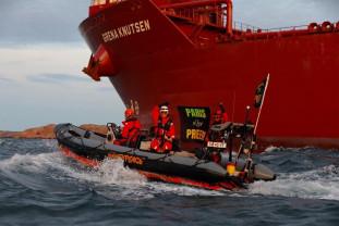 Trei zile de proteste împotriva unei rafinării - Greenpeace a ridicat blocada