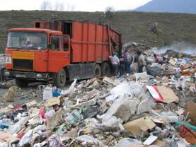 Comisia Europeană trage România de urechi - Rezolvaţi problema gunoaielor!