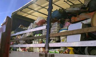 Autoritățile nu au permis intrarea în țară a deșeurilor - Tone de haine second-hand, oprite în Borș
