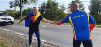 Echipele roşu, galben şi albastru au ajuns de Ziua Armatei la Carei - Ștafeta Veteranilor a trecut prin Oradea
