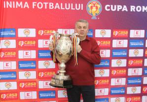 """Eveniment fotbalistic sub Apuseni - Trofeul """"Cupa României"""" a poposit la Ștei"""