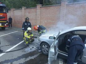 Autoturism în flăcări în Oradea, muniţie neexplodată în Vărăşeni - Pompierii în misiuni
