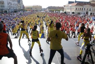 Cea mai mare oră de Kangoo Jumps din istorie - Oradea a bătut recordul