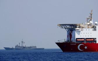 Situaţia din Libia rămâne explozivă şi patru puteri europene ameninţă cu sancţiuni - Turcia toarnă gaz pe foc