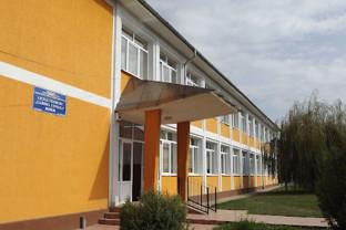 Profesori și elevi în carantină, la Borod - Record de infectări în județ