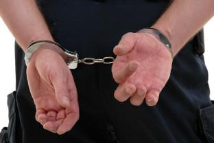 Suspecții au coordonat activitatea unor tinere care se prostituau pe drumurile din Oradea - Proxeneți arestați