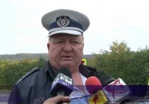 Marcel Ghirosa a fost prins în flagrant luând şpagă chiar în sediul Poliţiei Rutiere - Comisar şef reţinut