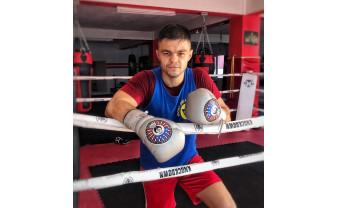 """Urmează o gală la Bucureşti - Adrian Maxim se pregăteşte pentru """"OSS Fighters 05"""""""