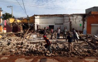Inundaţii şi cutremur puternic în Mexic - 17 morţi într-un spital
