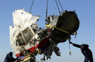 Trei ruși și un ucrainian - Puși sub acuzare pentru oborârea zborului MH17