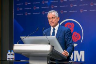 Vlad Plahotniuc a părăsit Moldova şi anunță că va forma -