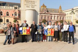 La Statuia Regelui Ferdinand - Omagiu regilor României